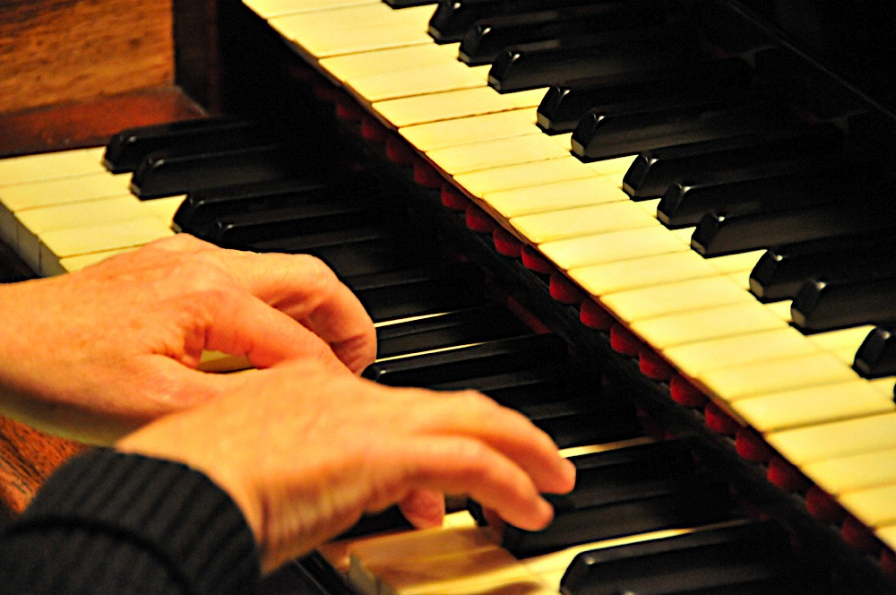 orgueMainsDSC2727