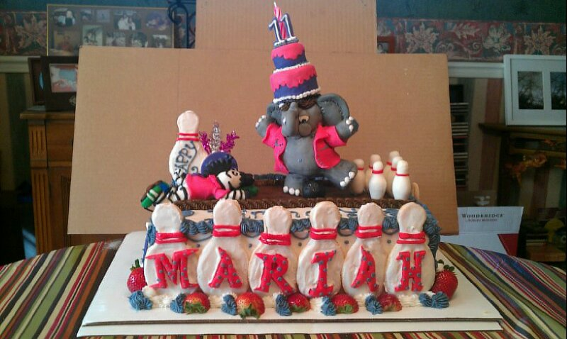 Animals bowling Cake