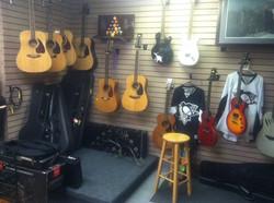 Vintage Acoustic & Electric Guitars