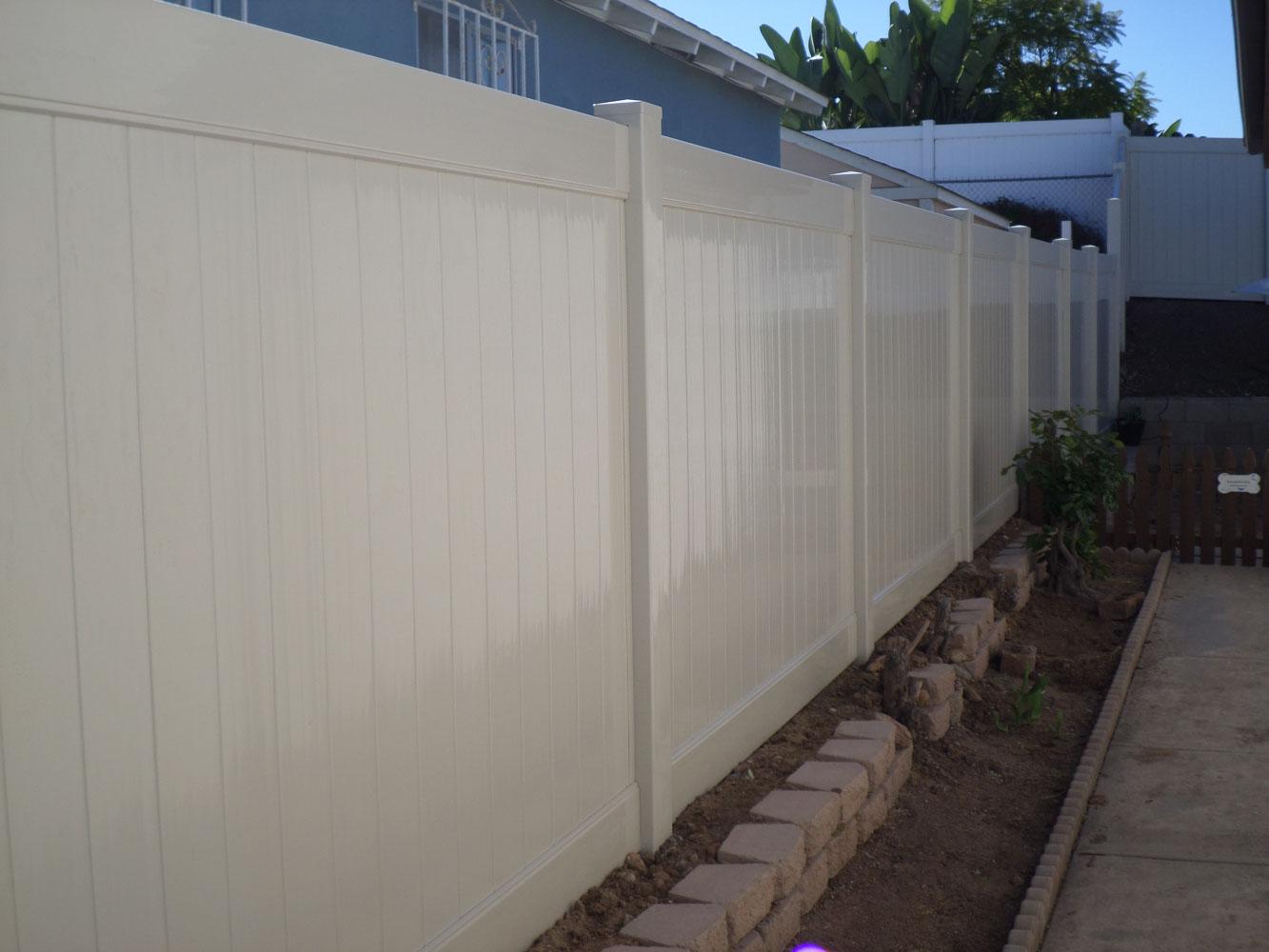 vinyl-fence-san-diego-1