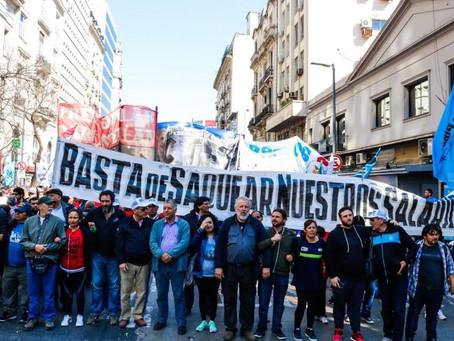 Los movimientos populares enfrentan el ajuste del gobierno y el FMI