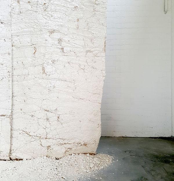 Crack wallpaper