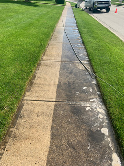Concrete Sidewalk Cleaning