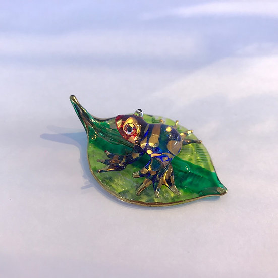 Frog on leaf Glass Figurine