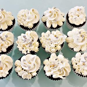 Cupcakes Floral - White Snow