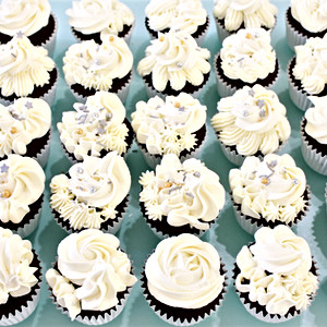 Floral Cupcakes - White