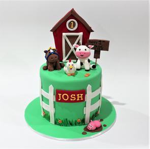 Birthday Cake - Farm Animal with Barn Cake.JPG