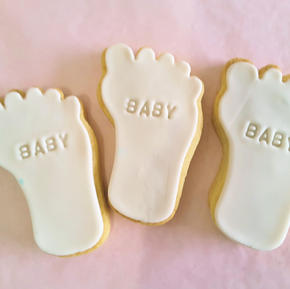Cookie - Baby Feet White