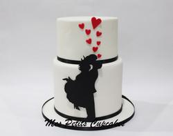 Engagement Wedding Cake - Silhouette Romantic Love Couple 1