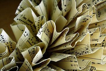 music-wreath-detail.jpg