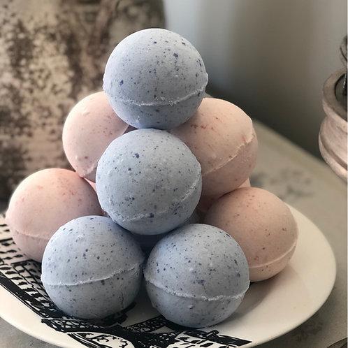 Luxurious bath bombs