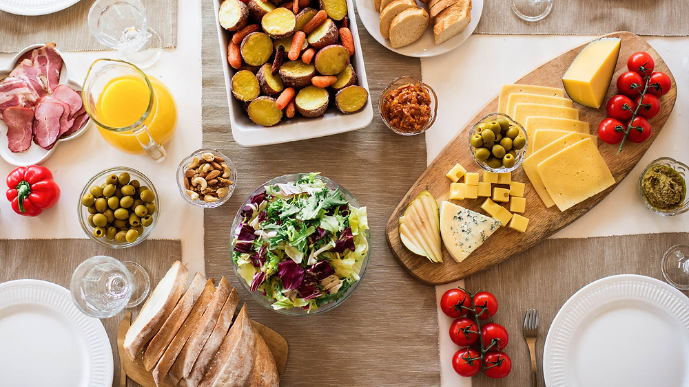 A party platter of food for an eco-friendly party.