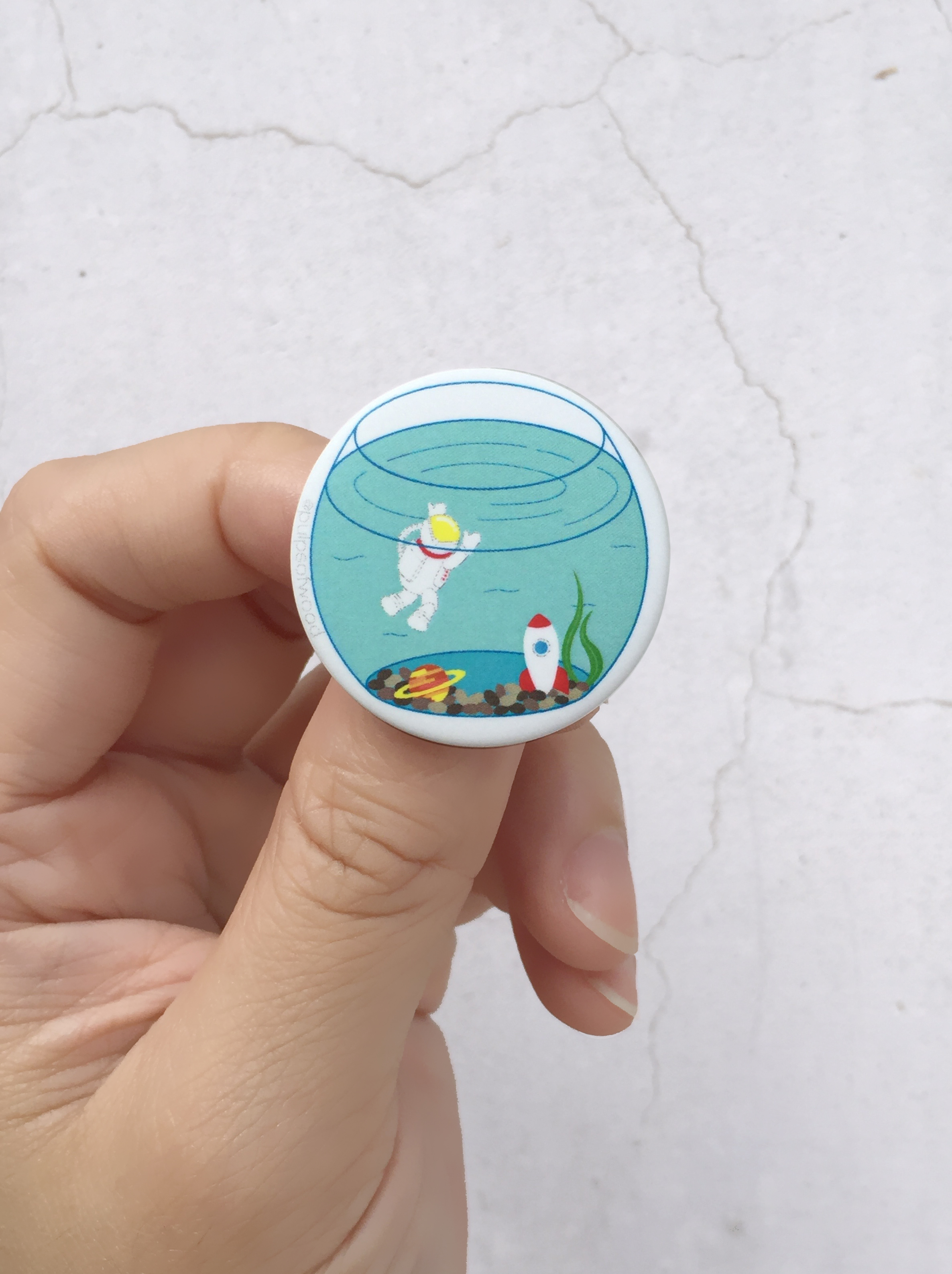 Magnet Button Pin | Fish Tank