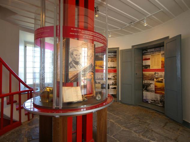 Pointe-des-Monts Lighthouse
