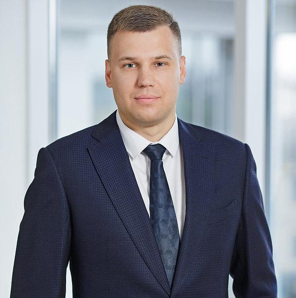 Адвокат Уваров Максим.jpg