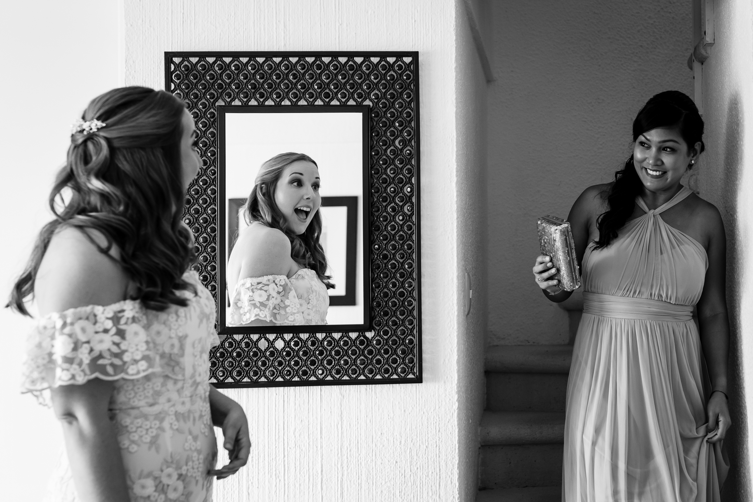bridesmaid maid of honor first look bride cozumel photographer