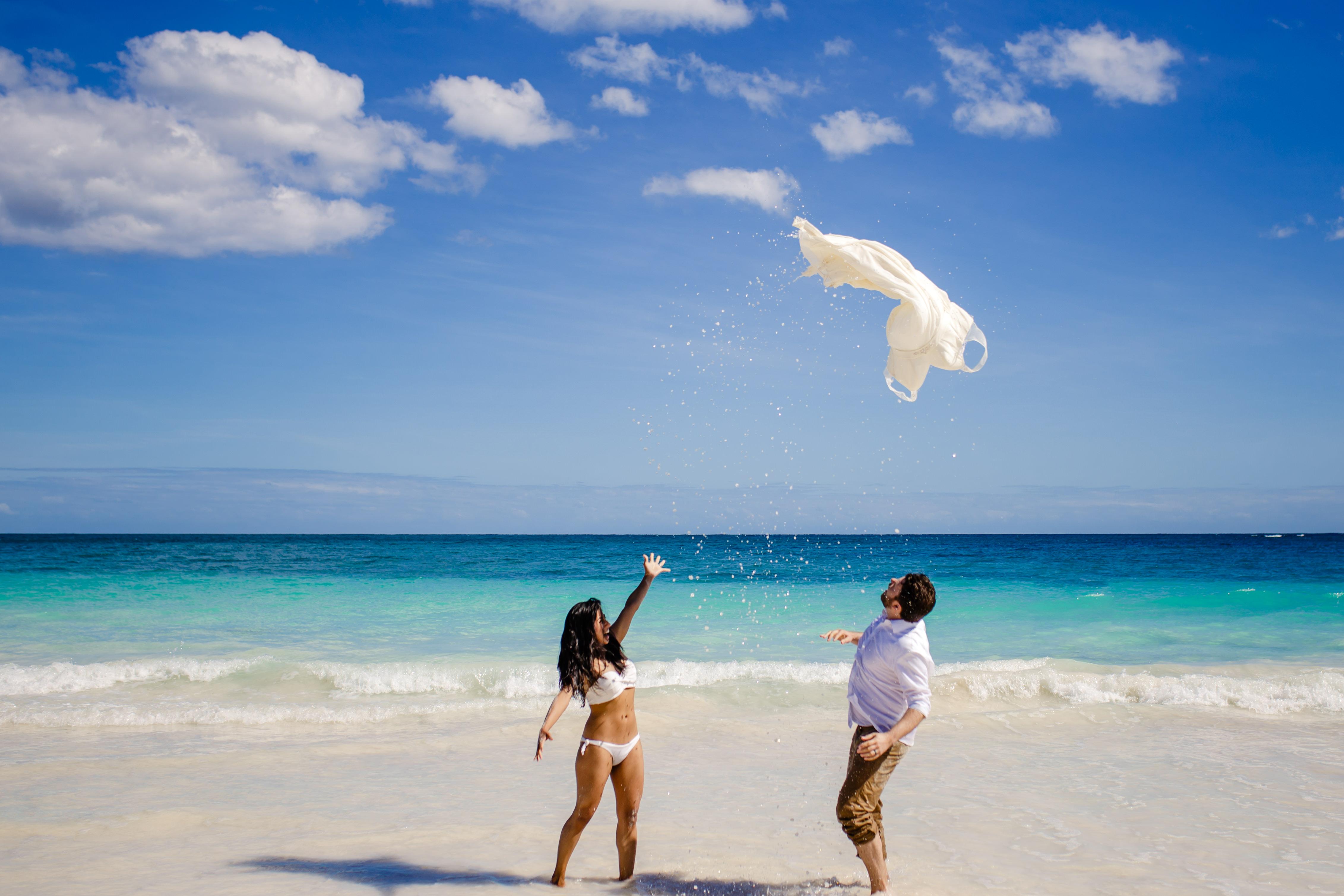trash the dress playa del carmen photography