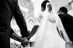 hands wedding ceremony bride church catholic photographer
