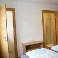 Schlafzimmer Westen, Dusche und WC getrennt