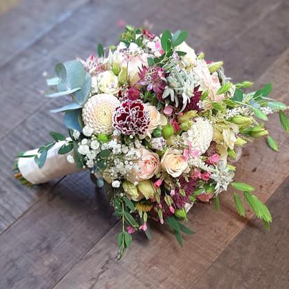Brautstrauß weiß, pink, grün
