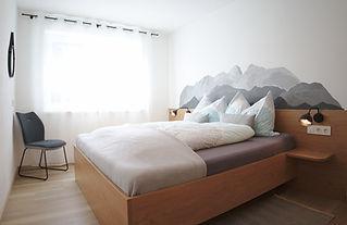 Schlafzimmer klein.jpg