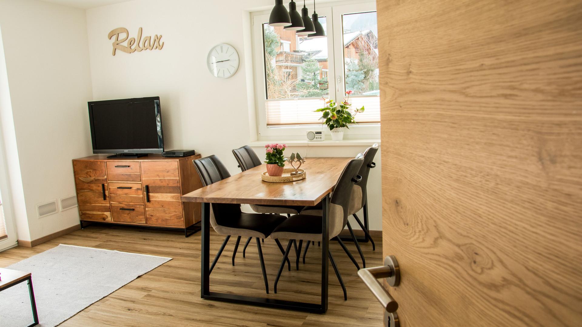 BLUAMEN: Blick in die Wohnküche