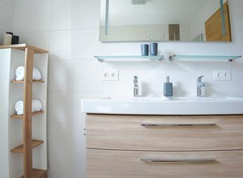 BERG: Badezimmer, Doppelwaschtisch