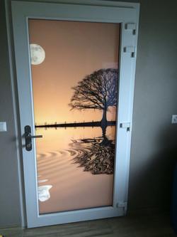 Porte d'entrée avec verre imprimé