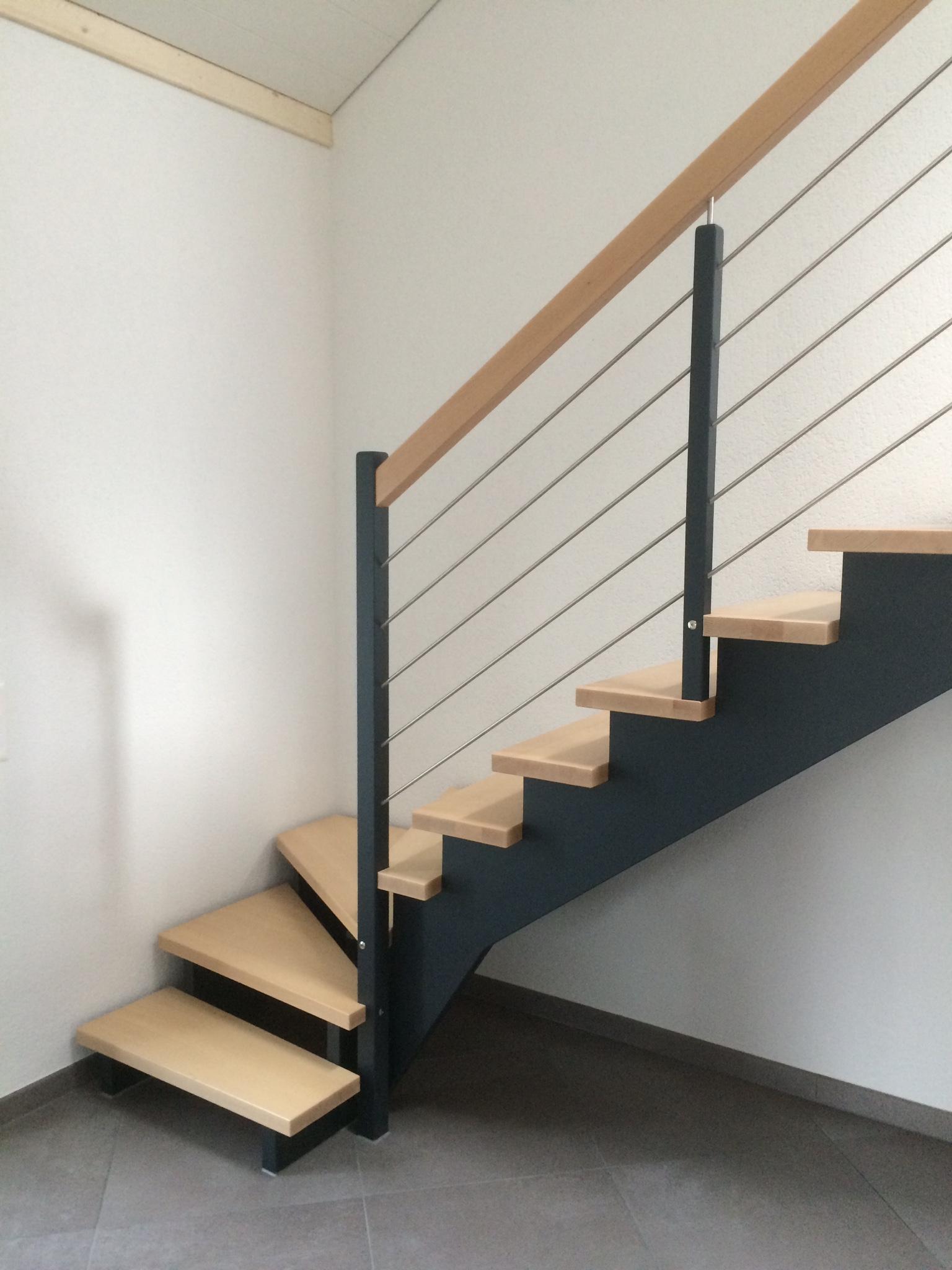 Escalier à crémaillère bicolor