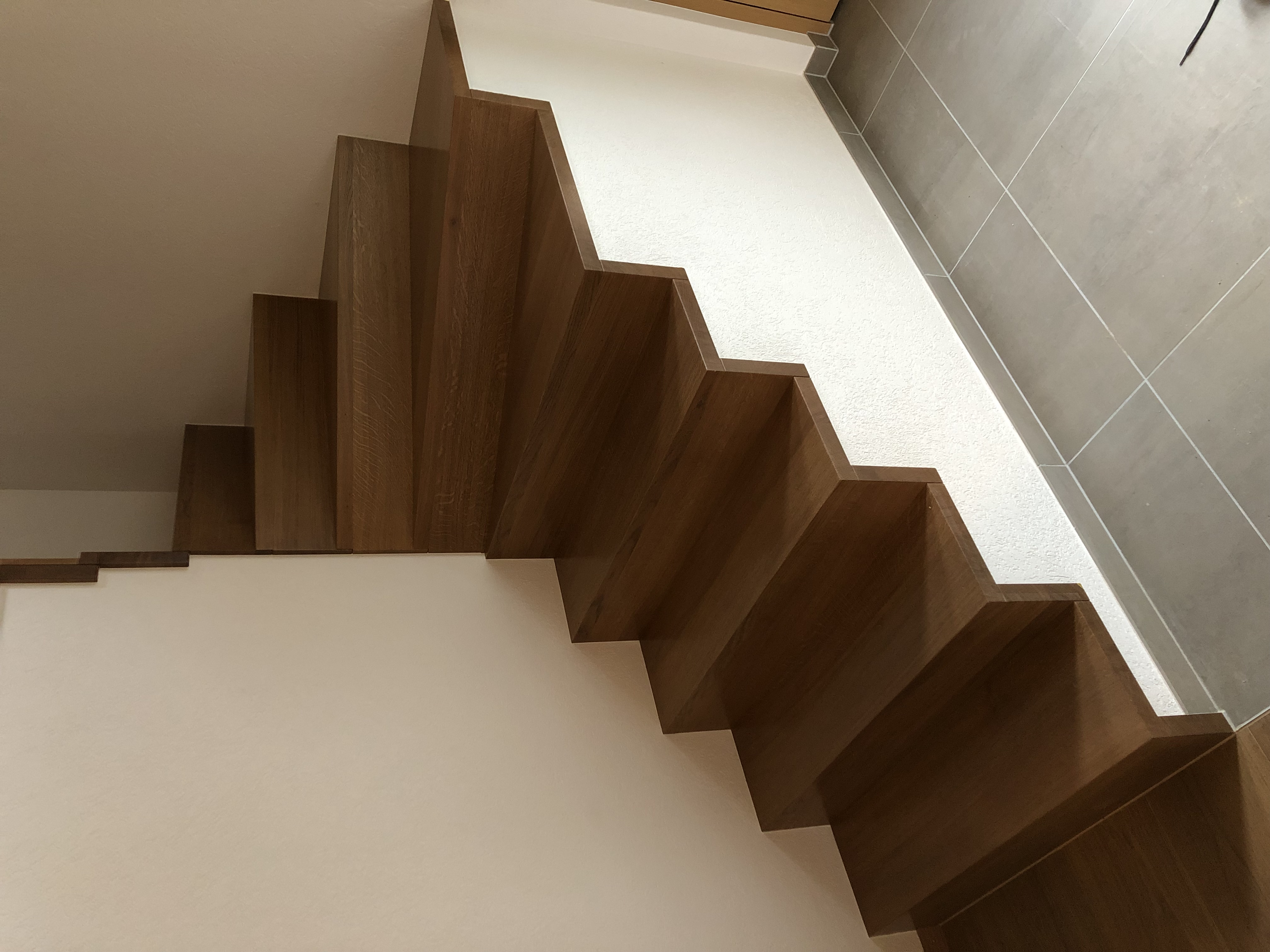 Escalier crémaillère chêne massif