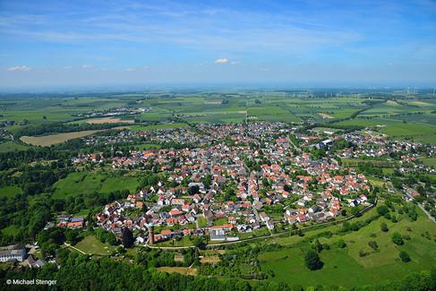 Rüthen Luftbildaufnahme mit Stadtmauer