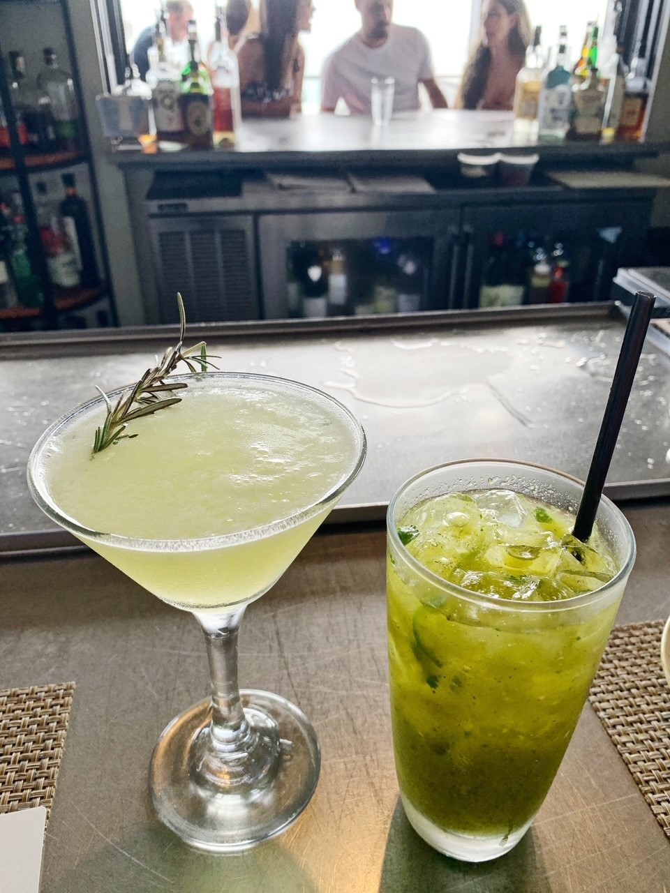 Cocktails at Pescado: Honeymoon and Porch Pounder