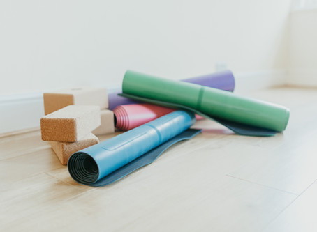 """""""Stay Home"""" & Do Yoga. Which Yoga Mat to Purchase During COVID-19"""