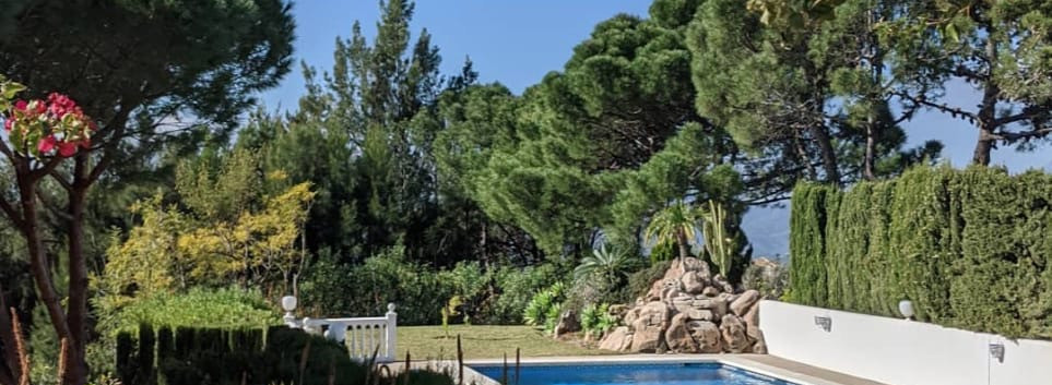 There is lots of time to enjoy the pool in the beautiful Mijas mountains