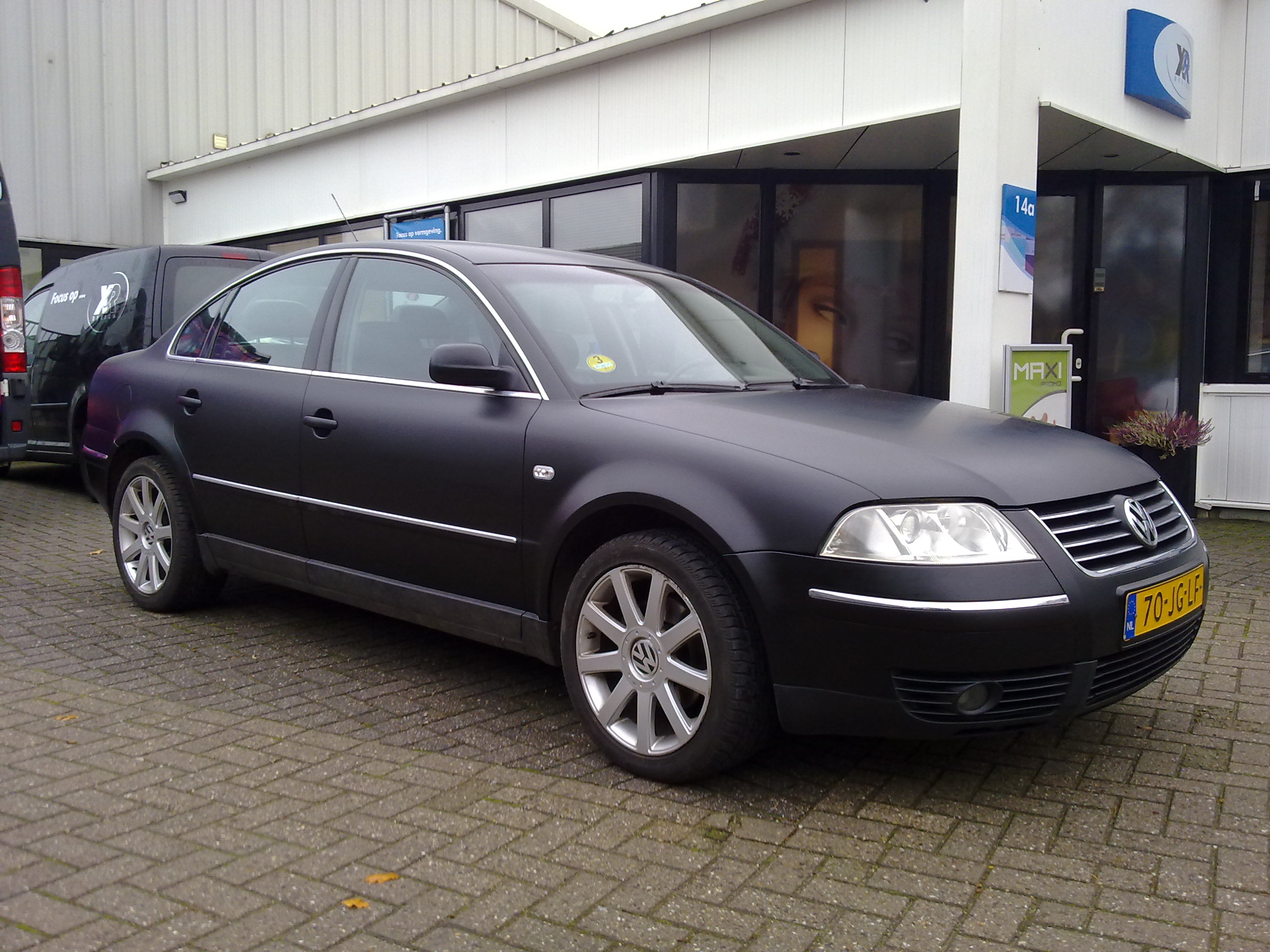 VW Passat matt