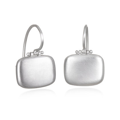 18k White Gold Matte Chiclet Earrings