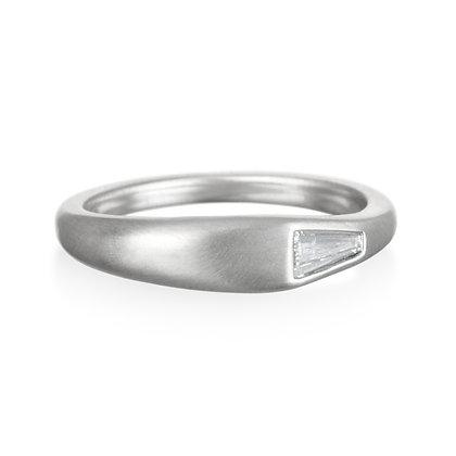 Platinum Tapered Diamond Baguette Ring