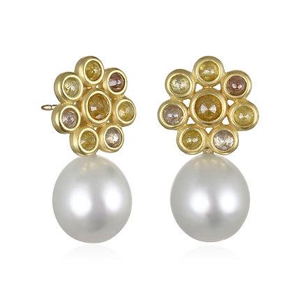 Milky Diamond Daisy Earrings