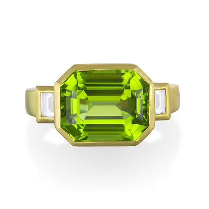 18K Gold Peridot and Diamond Ring