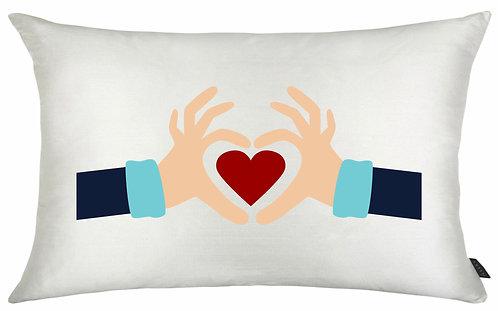Almofada Dia dos Namorados - Mãos + Coração