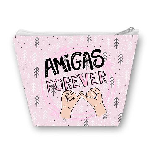 Necessaire Rosa com a frase Amigas Forever em letras decoradas e o desenho de duas mãos dando o dedo mindinho ao centro