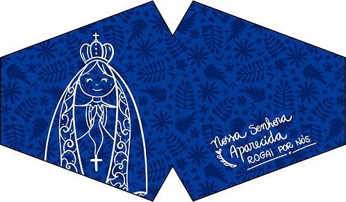 máscara de tecido, estampa floral azul escuro com o contorno de N.S.Aparecida em branco