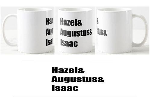 caneca branca com os nomes dos personagens ao centro: Hazel & Augustus & Isaac