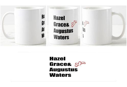 caneca branca com os nomes dos personagens ao centro: Hazel Grace & Augustus Waters e um pequeno coração com asas