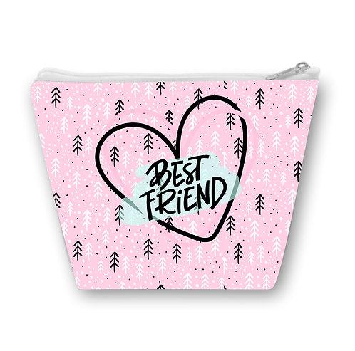 Necessaire rosa com pequenas estampas e a frase Best Friend em letras decoradas dentro de um coração