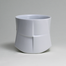 白磁茶盌《ダイ / 台》