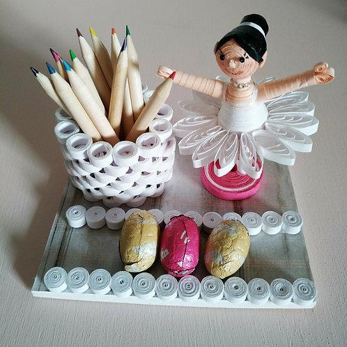 Ballerine blanche / socle fushia  - Mamina Collection