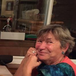 Nadine Sartenaer, Therapist.