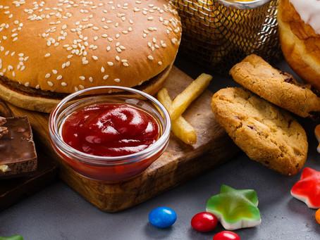Dieta rica em alimentos ultraprocessados aumenta a morbimortalidade cardiovascular