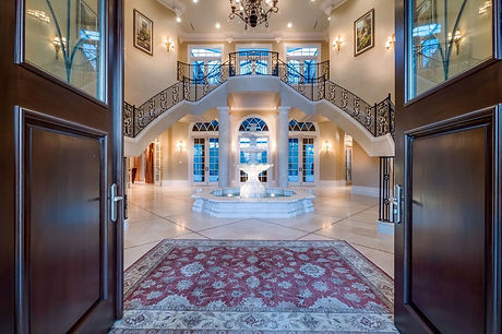Extravagant and welcoming Grand Foyer